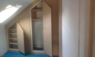Aménagement de placard sous toit