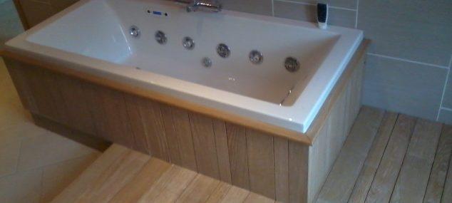 Habillage d'une salle de bain